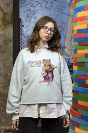 Laisvydės Šalčiūtės kūrinio detalė ant riboto tiražo džemperio